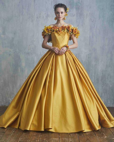 ユミカツラのフラワーモチーフドレス