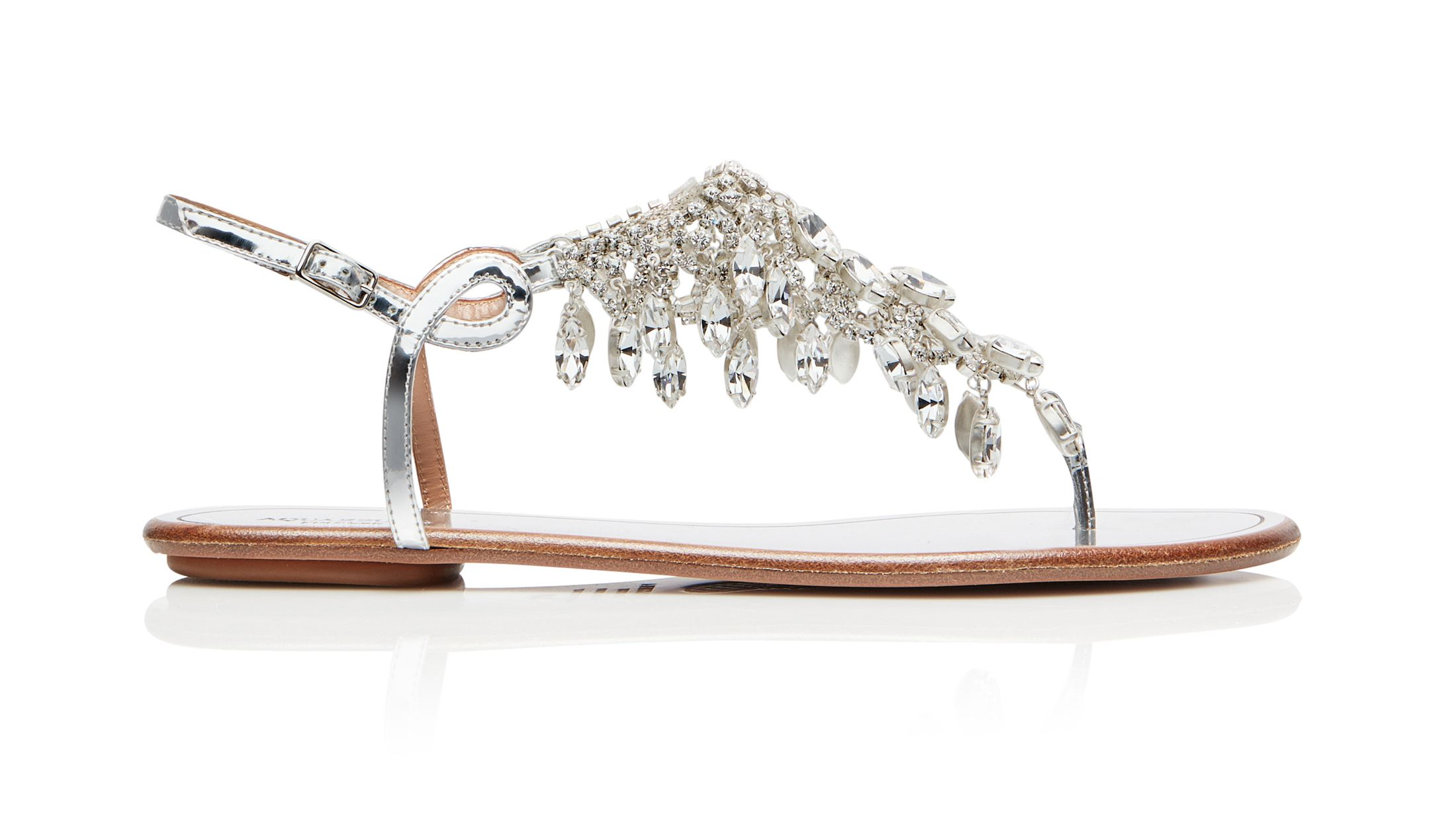 Questi sandali gioiello sono i più belli mai visti e cambieranno definitivamente i tuoi outfit primavera estate 2019 con un tocco ultra glam.