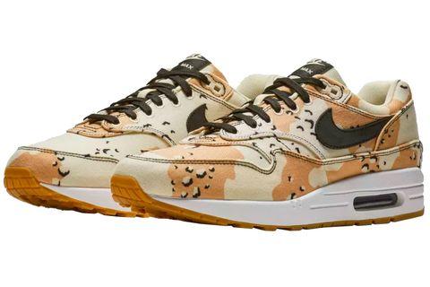 Footwear, Shoe, White, Sneakers, Brown, Outdoor shoe, Beige, Walking shoe, Sportswear, Athletic shoe,