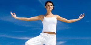 DAILY DOSE JULY 14 BEACH YOGA SCHOOL: yoga pose