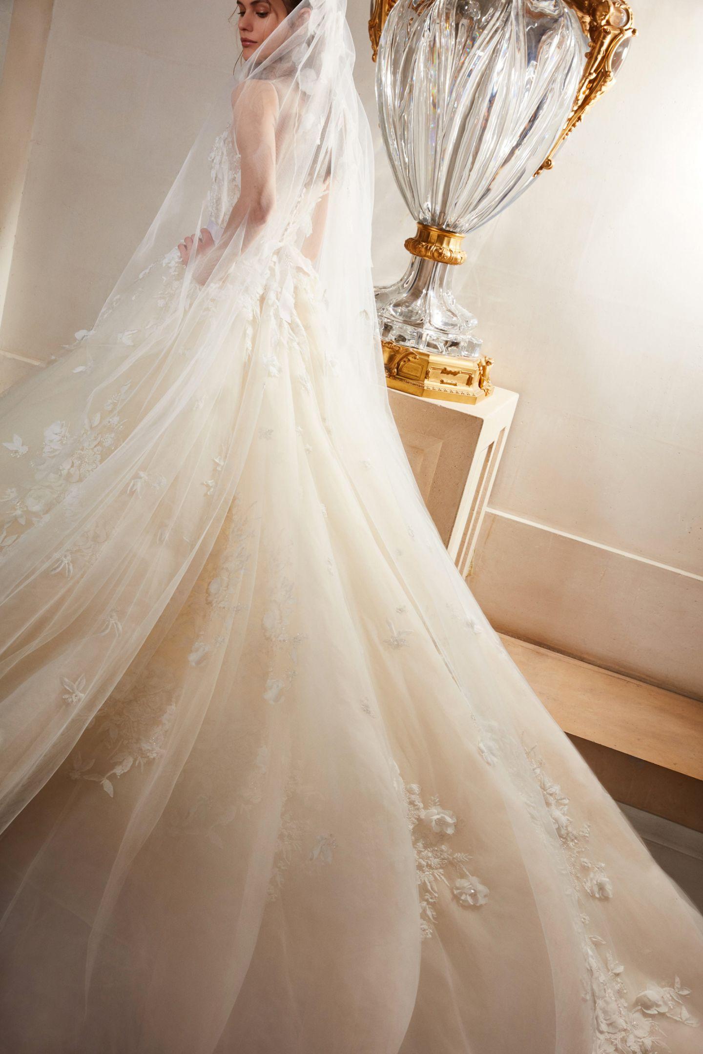 6433aeefbd Beach Wedding Dresses - Bridal Gowns for a Beach Destination Wedding