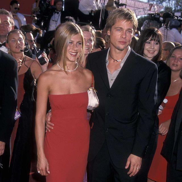 Red carpet, Dress, Carpet, Clothing, Shoulder, Premiere, Formal wear, Event, Gown, Strapless dress,