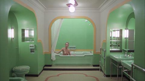 Shining Scena Vasca Da Bagno.Stanley Kubrick Gli Interni Dei Suoi Film E L Ossessione