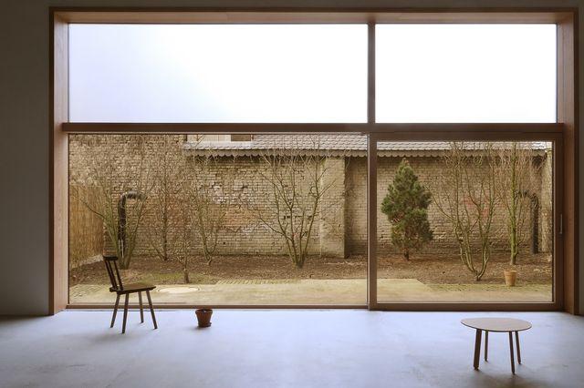 o12 — artist house in berlin