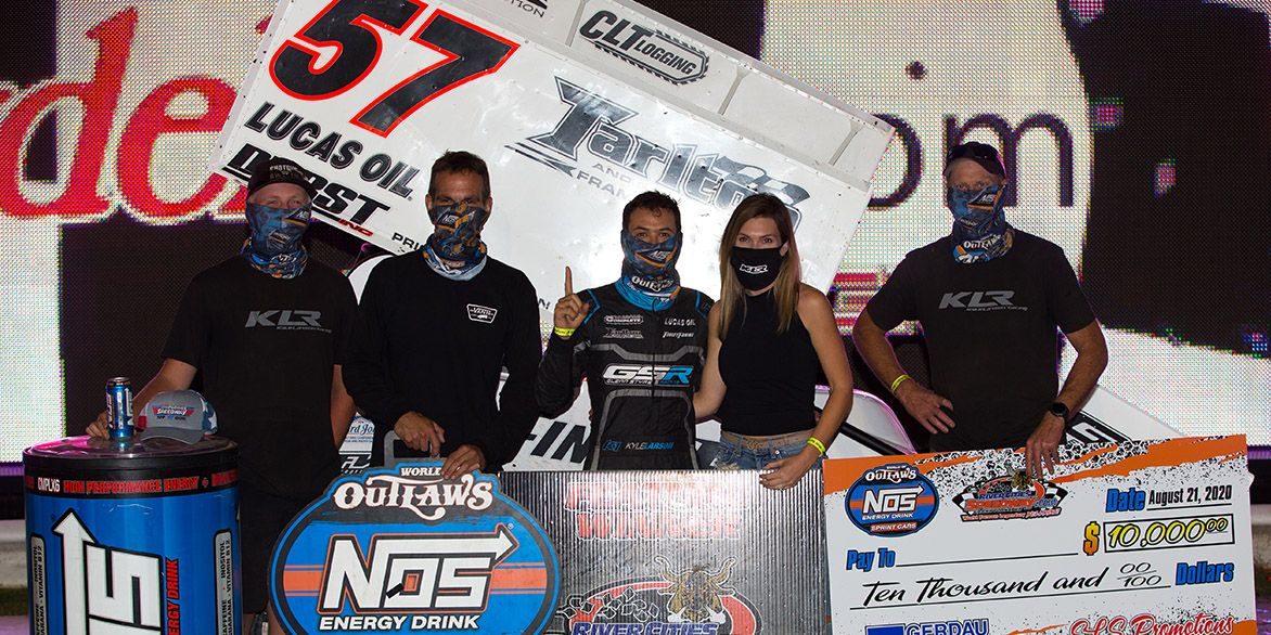 Video: Kyle Larson and Logan Schuchart Battle in Epic World of Outlaws Finish
