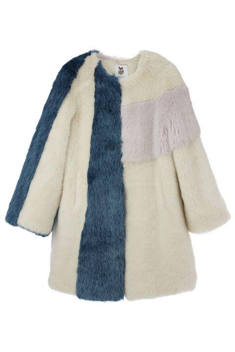 Clothing, Outerwear, Fur, Sleeve, Coat, Beige, Fur clothing, Jacket, Textile, Woolen,