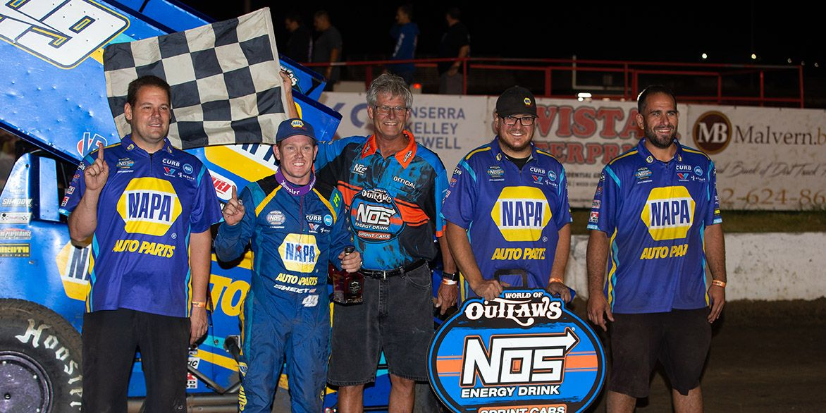 Brad Sweet ties Logan Schuchart for World of Outlaws Championship with I-80 Victory