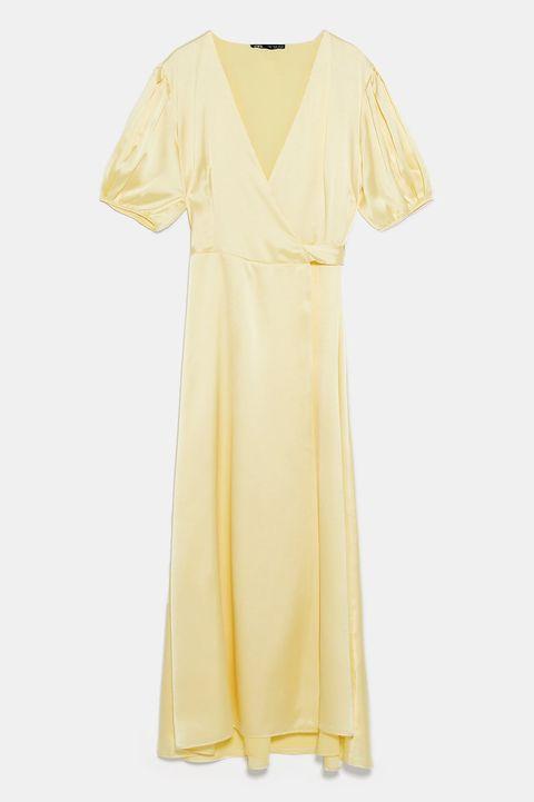 6827c5343 Zara ha rebajado (a 20 euros) algunos de sus vestidos más bonitos y ...