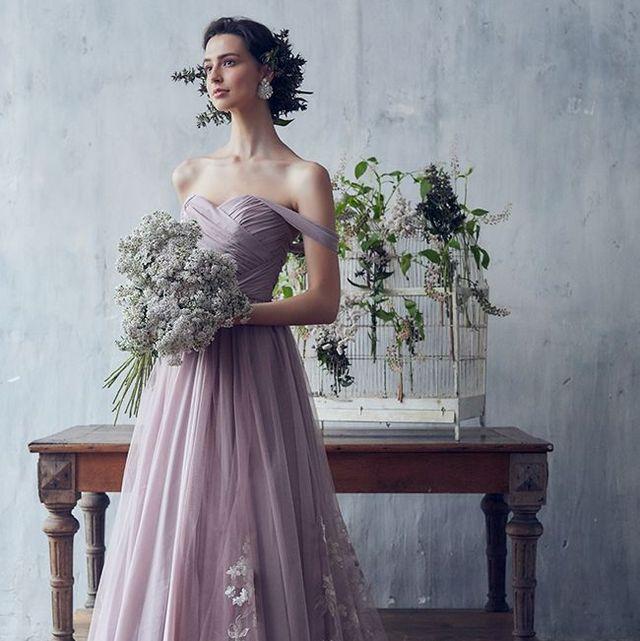 ドレスショップ、ジュノのニュアンスピンクグレーのカラードレス