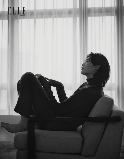 elle封面人物李鍾碩,退伍後的計畫、電影拍攝等,演員李鍾碩的生活