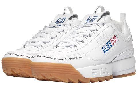Shoe, Footwear, Outdoor shoe, White, Running shoe, Athletic shoe, Walking shoe, Product, Tennis shoe, Cross training shoe,