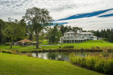 Natural landscape, Green, Water, Property, Estate, House, Tree, River, Bank, Lake,