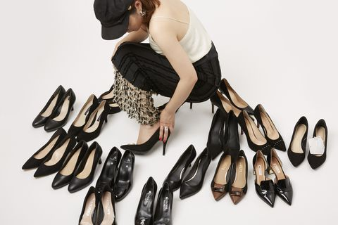Footwear, Shoe, Fashion accessory, Finger, Glove, High heels, Sandal,