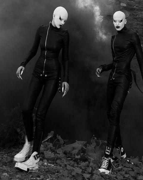 兩個黑衣人