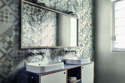 Piastrelle decorate: 16 novità per larredo bagno