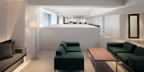 Interior design, Room, Property, Furniture, Building, Architecture, House, Ceiling, Living room, Wall,