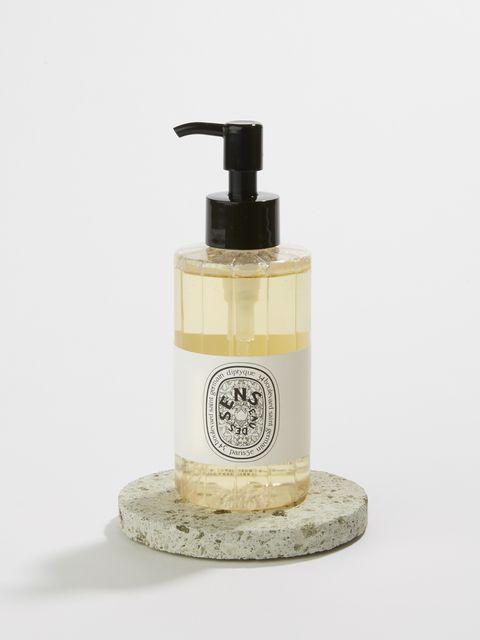 Soap dispenser, Liquid, Product, Bathroom accessory, Soap, Hand, Beige, Lotion, Skin care, Interior design,