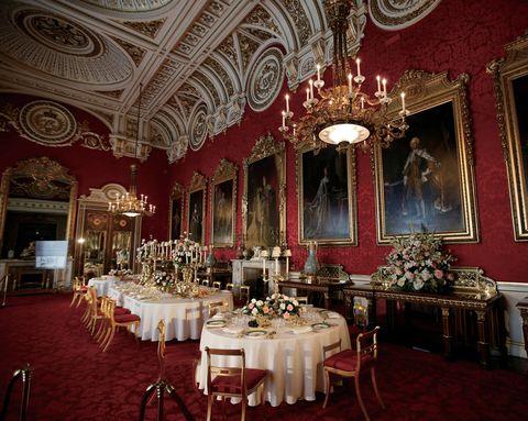 エリザベス女王のメイン居城・バッキンガム宮殿