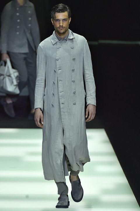 Sleeve, Human body, Fashion show, Outerwear, Runway, Fashion model, Style, Formal wear, Fashion, Fashion design,