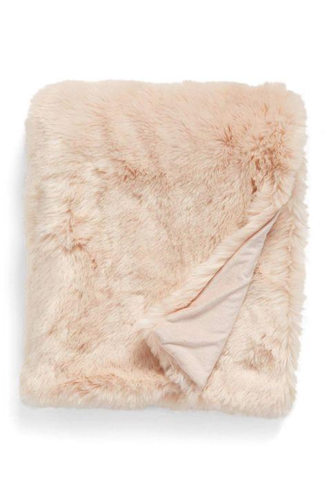 Fur, Beige, Pink, Textile, Linens, Wool, Natural material,