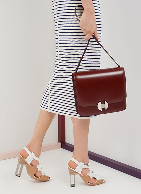 Shoulder, Clothing, Tan, Brown, Joint, Waist, Fashion, Footwear, Bag, Handbag,