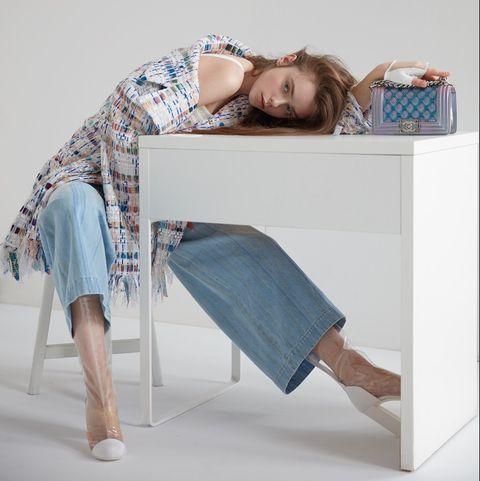 Blue, Product, Furniture, Bed, Shoulder, Room, Sitting, Leg, Textile, Linens,