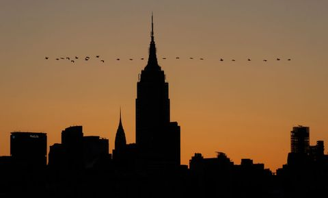 Sky, City, Skyline, Landmark, Silhouette, Evening, Human settlement, Metropolis, Skyscraper, Spire,
