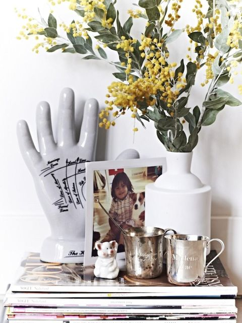 Serveware, Bouquet, Interior design, Nail, Artifact, Cut flowers, Vase, Flower Arranging, Floral design, Still life photography,
