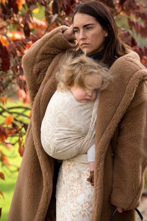 Fur, Outerwear, Interaction, Wool, Autumn, Tree, Textile, Beige, Hug, Photography,