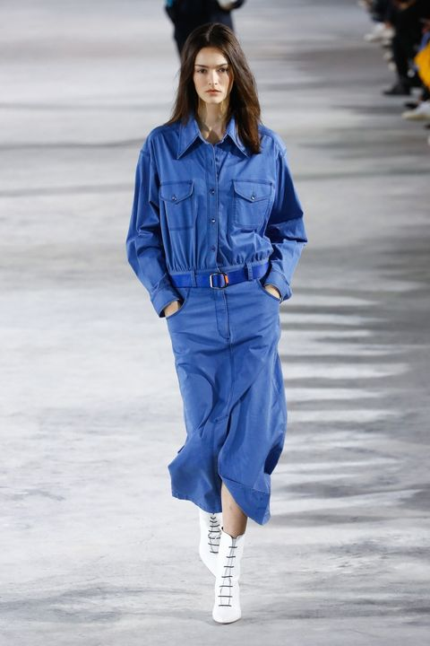 Denim, Blue, Fashion model, Cobalt blue, Fashion show, Fashion, Clothing, Runway, Jeans, Electric blue,