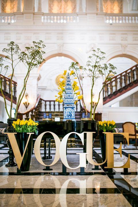 Architecture, Yellow, Landmark, Building, Interior design, Lobby, Design, Tree, Reflection, Arch,