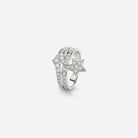 Jewellery, Platinum, Fashion accessory, Ring, Diamond, Silver, Metal, Body jewelry, Gemstone, Engagement ring,