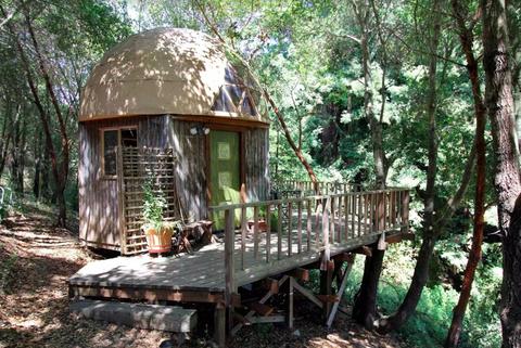 airbnb,旅行,住宿,秘境,房源,獨特,世界,推薦,飛機,鋁製小屋,小木屋,叢林,龍之屋,飛船,哈比人,洞穴屋,主人,莊園,達文西,日式,榻榻米,大阪,日本,美國,英國,法國,德國,巴西,蘇格蘭,美景,湖景,山景,大自然,星空,浪漫,夢幻,人生清單,背包客,邂逅,ELLE走透透