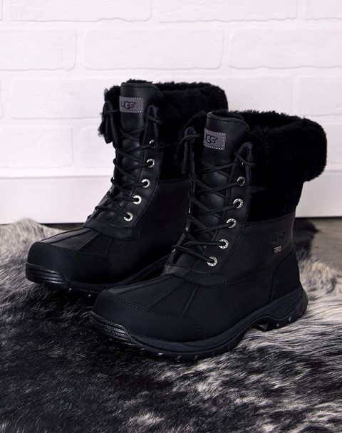 The Winter Boots That'll Withstand Anything—and Look Good Doing It