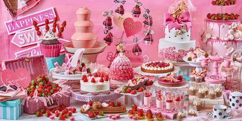 Pink, Cake decorating, Sugar paste, Food, Pasteles, Sweetness, Cake, Dessert, Baked goods, Sugar cake,