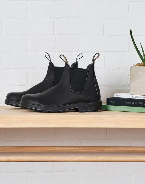 Footwear, Black, White, Shoe, Sportswear, Sneakers, Nike free, Boot, Outdoor shoe, Athletic shoe,