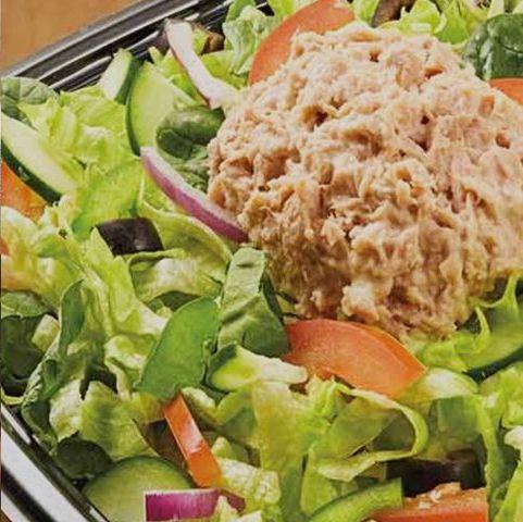 Dish, Food, Cuisine, Garden salad, Ingredient, Lunch, Vegetable, Salad, Meal, Produce,