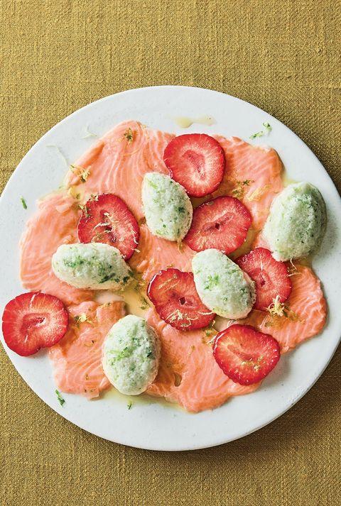 Dish, Food, Cuisine, Ingredient, Smoked salmon, Produce, Vegetable, Recipe, Tomato, Prosciutto,