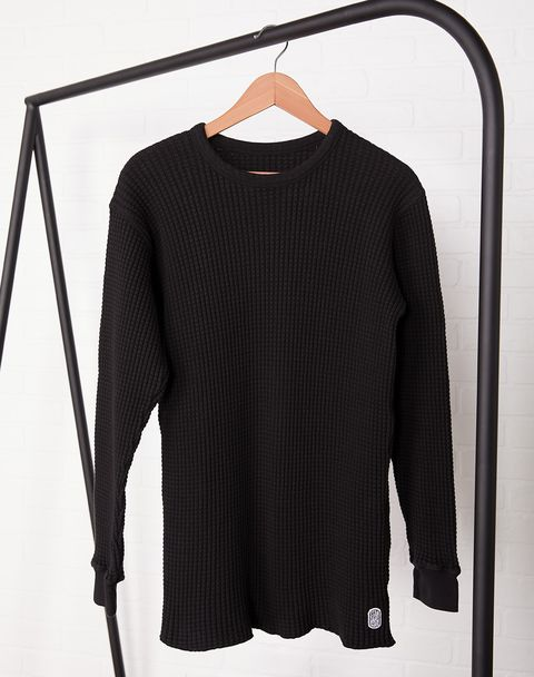 Clothing, Clothes hanger, Black, Sleeve, Long-sleeved t-shirt, Outerwear, T-shirt, Jersey, Shoulder, Top,