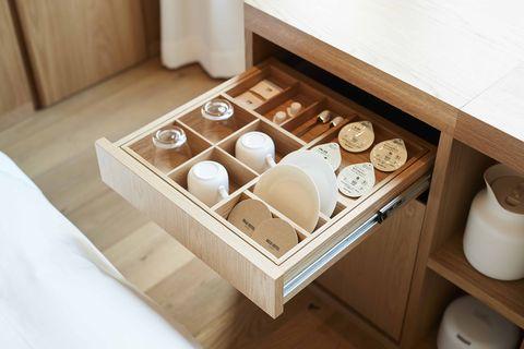 Drawer, Furniture, Wood, Room, Tableware,