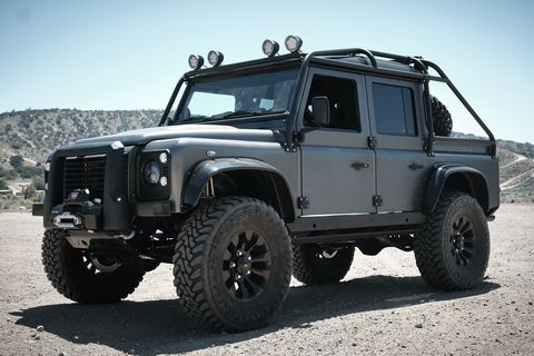 Land vehicle, Vehicle, Car, Automotive tire, Off-road vehicle, Tire, Off-roading, Land rover defender, Wheel, Bumper,