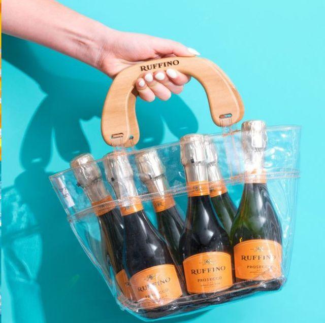 Product, Water, Drink, Alcohol, Bottle, Liqueur, Beer, Hand, Distilled beverage, Champagne,