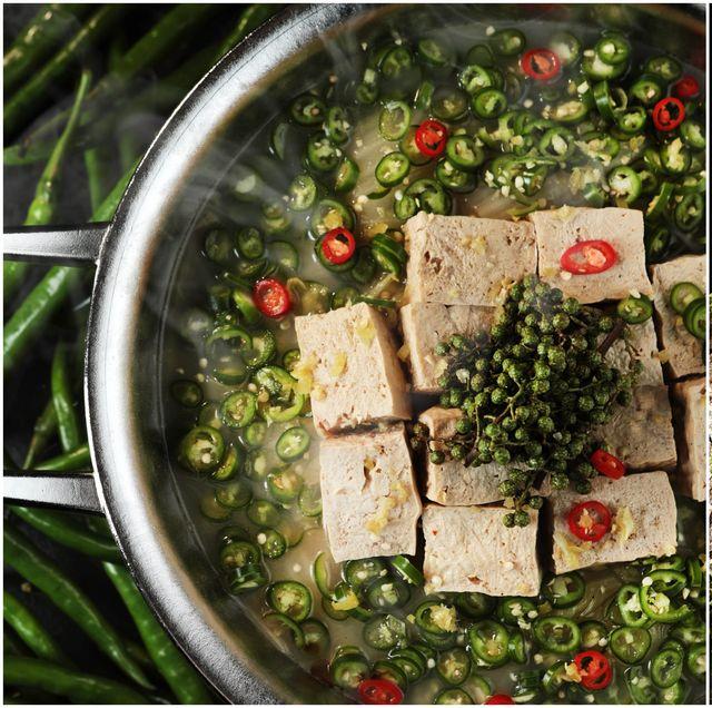 青花驕推出可以喝的綠色麻辣鍋!全台唯一「青麻椒肥牛鍋」既香麻又清爽