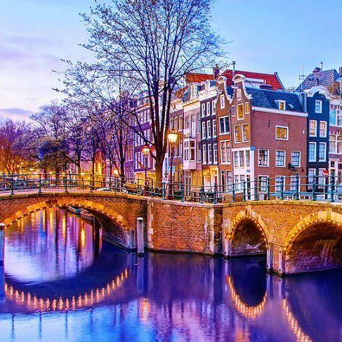 阿姆斯特丹聖誕樂園、舊金山大橋星空煙火!全球「10大浪漫冬日聖地」公布,請收入聖誕跨年計畫