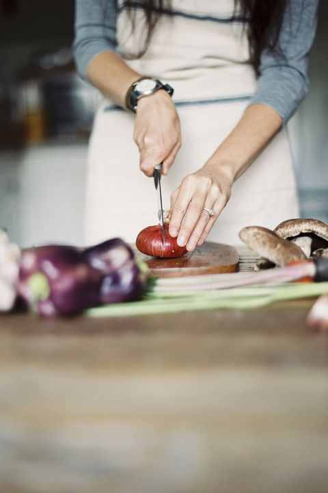 まな板を使う際にやってしまいがちなNG行為 | ELLE gourmet [エル・グルメ]