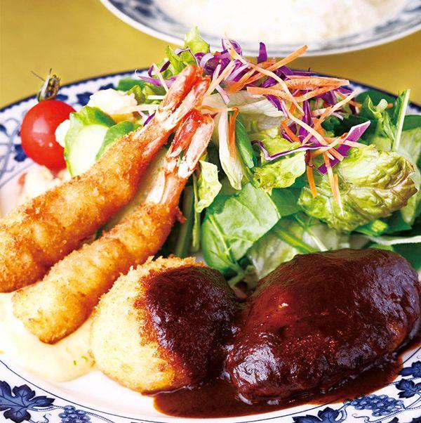 Dish, Food, Cuisine, Ingredient, Comfort food, Steamed rice, Meat, Produce, Nasi liwet, Staple food,