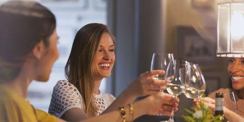 お酒を飲む量を減らしたい?|お酒をやめると起こる、嬉しい7つの変化