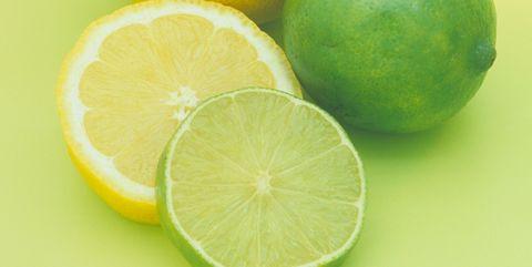 レモンとライムの果汁|アンチエイジング効果が期待できる食べ物30