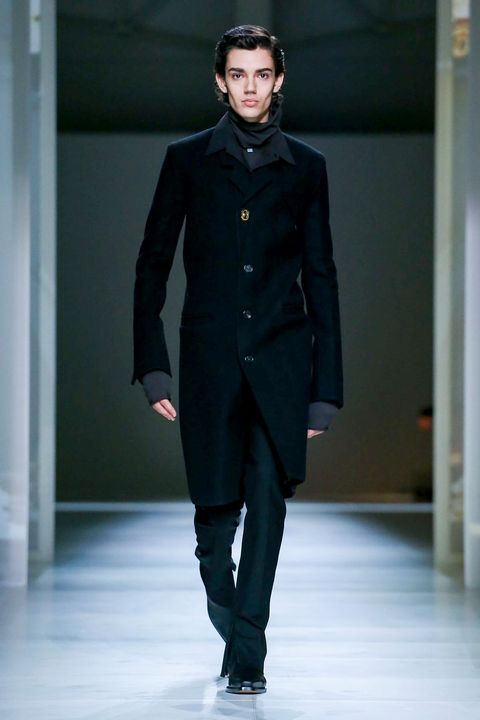 Fashion, Fashion model, Fashion show, Runway, Clothing, Overcoat, Coat, Human, Haute couture, Fashion design,