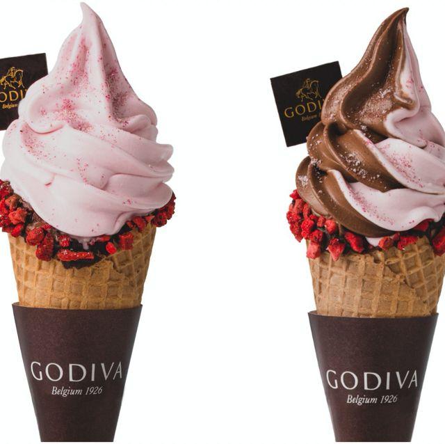 GODIVA 草莓巧克力霜淇淋及草莓白巧克力凍飲